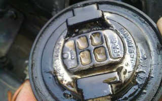 Причина попадания бензина в картер двигателя
